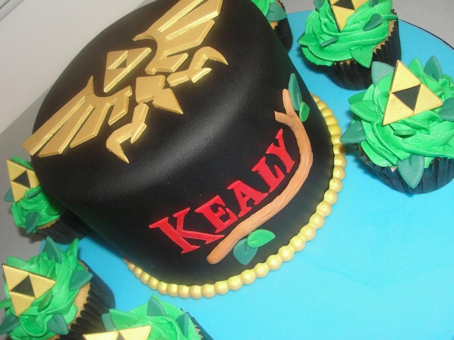 Legend Of Zelda Cake Amp Triforce Cupcakes Cakecentral Com