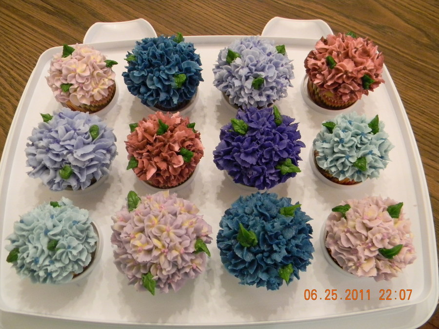 Hydrangea Cupcakes on Cake Central