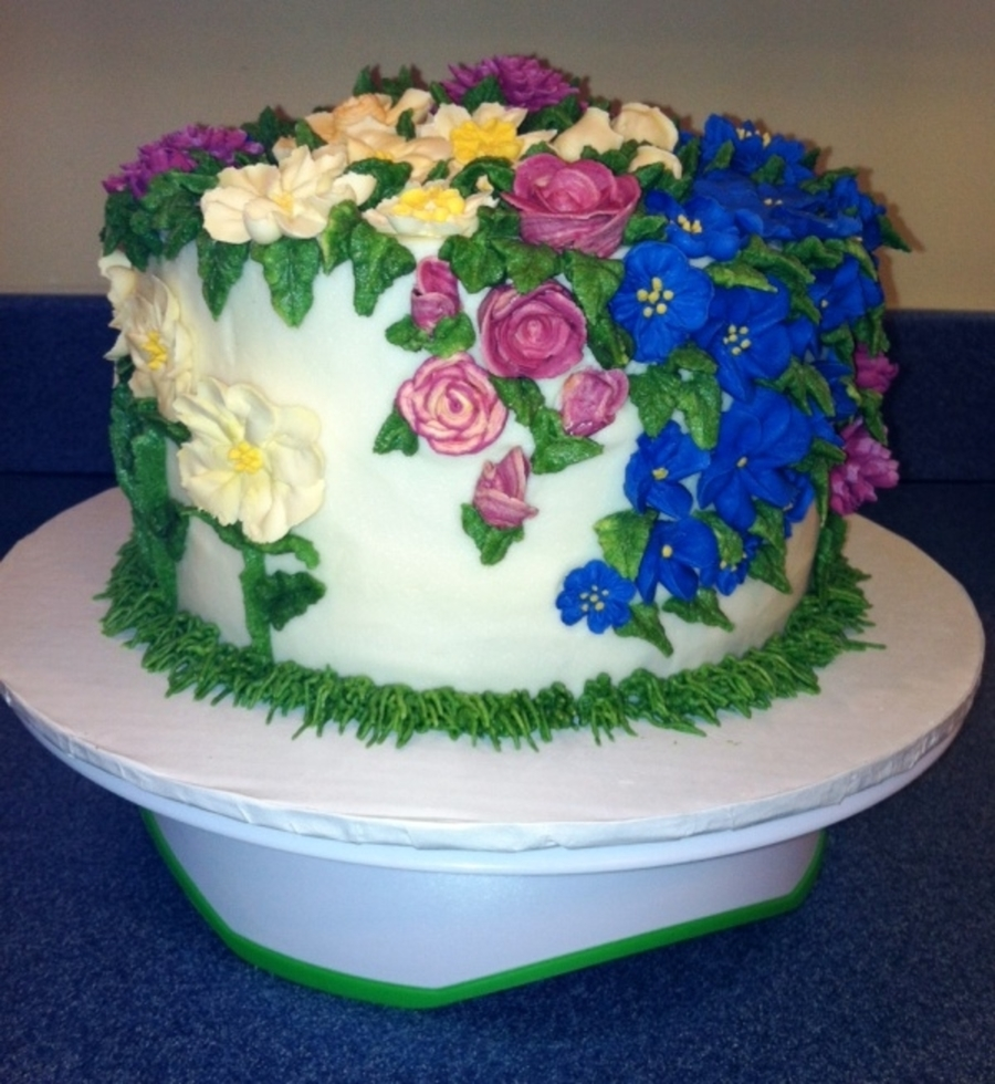 Summer flower garden cakecentral white cake with butter cream frosting and royal icing flowers mightylinksfo