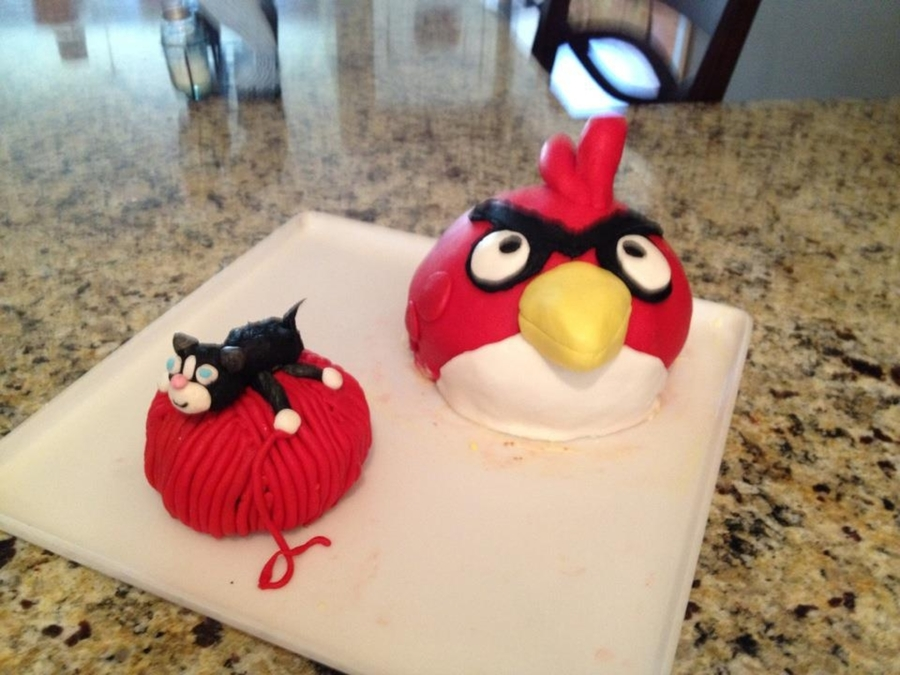 Angry Bird And Kitty On Yarn Ball on Cake Central