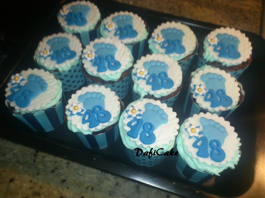 Blue Feet on Cake Central