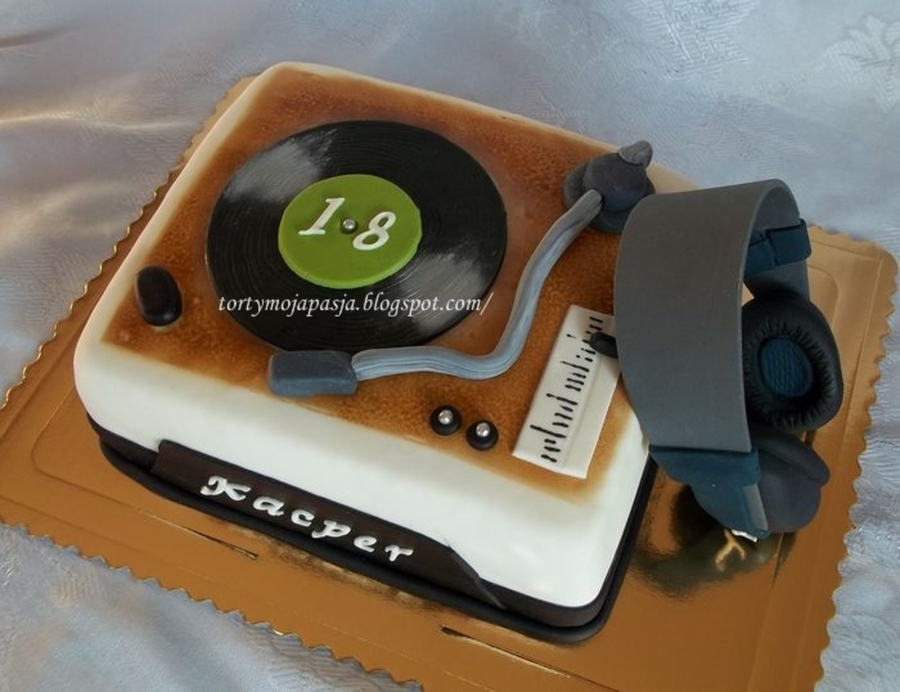 Music Equipment on Cake Central