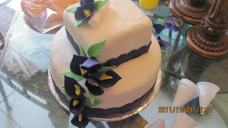 Cala Lilies on Cake Central