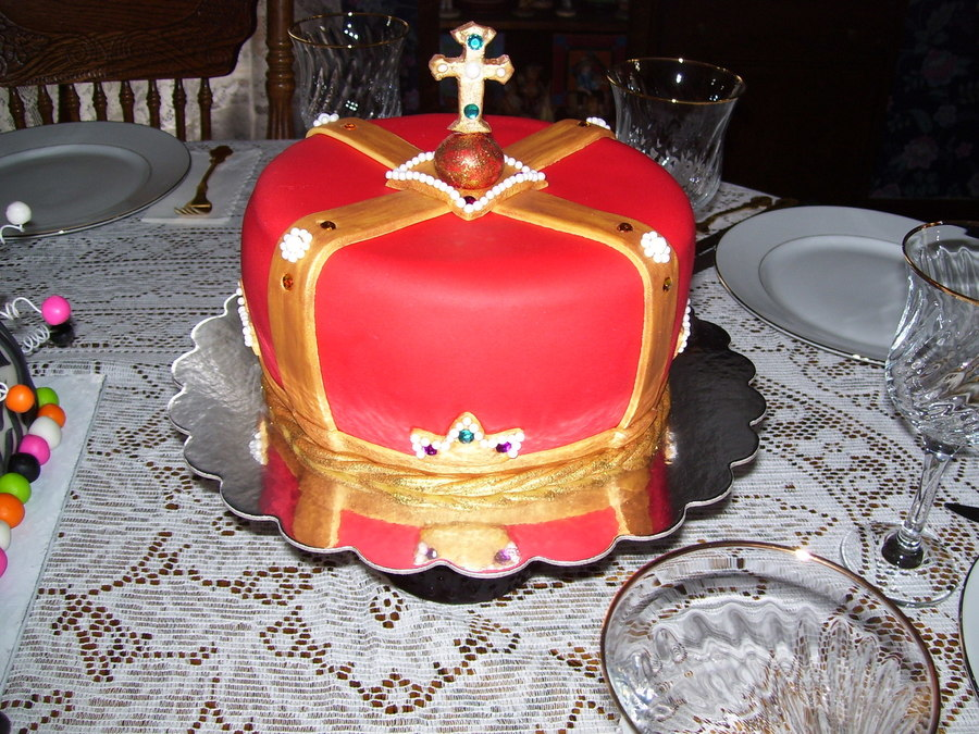 Fit For A King Crown Cake Cakecentral Com