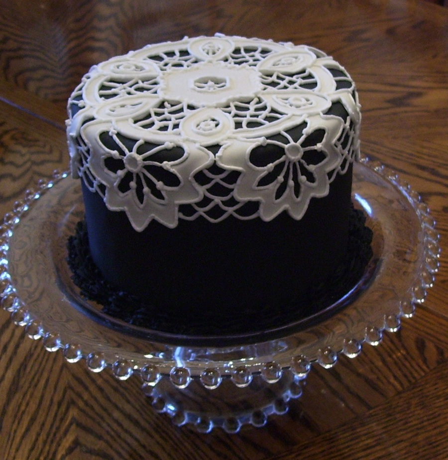 lace icing for wedding cakes lace cake made with fondant and royal icing cakecentral 16685