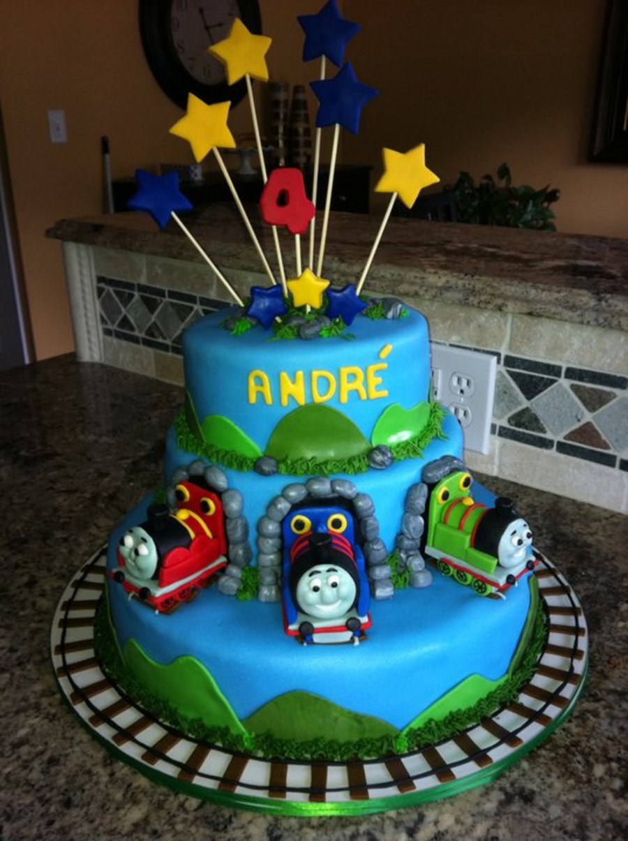 Thomas The Train And Friends Cake Cakecentral Com