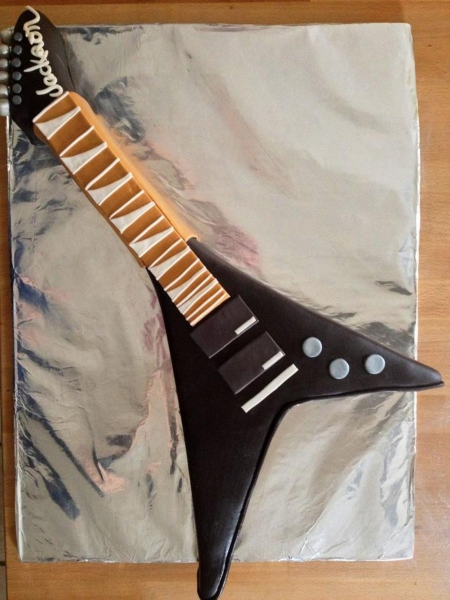 Jackson Flying V on Cake Central