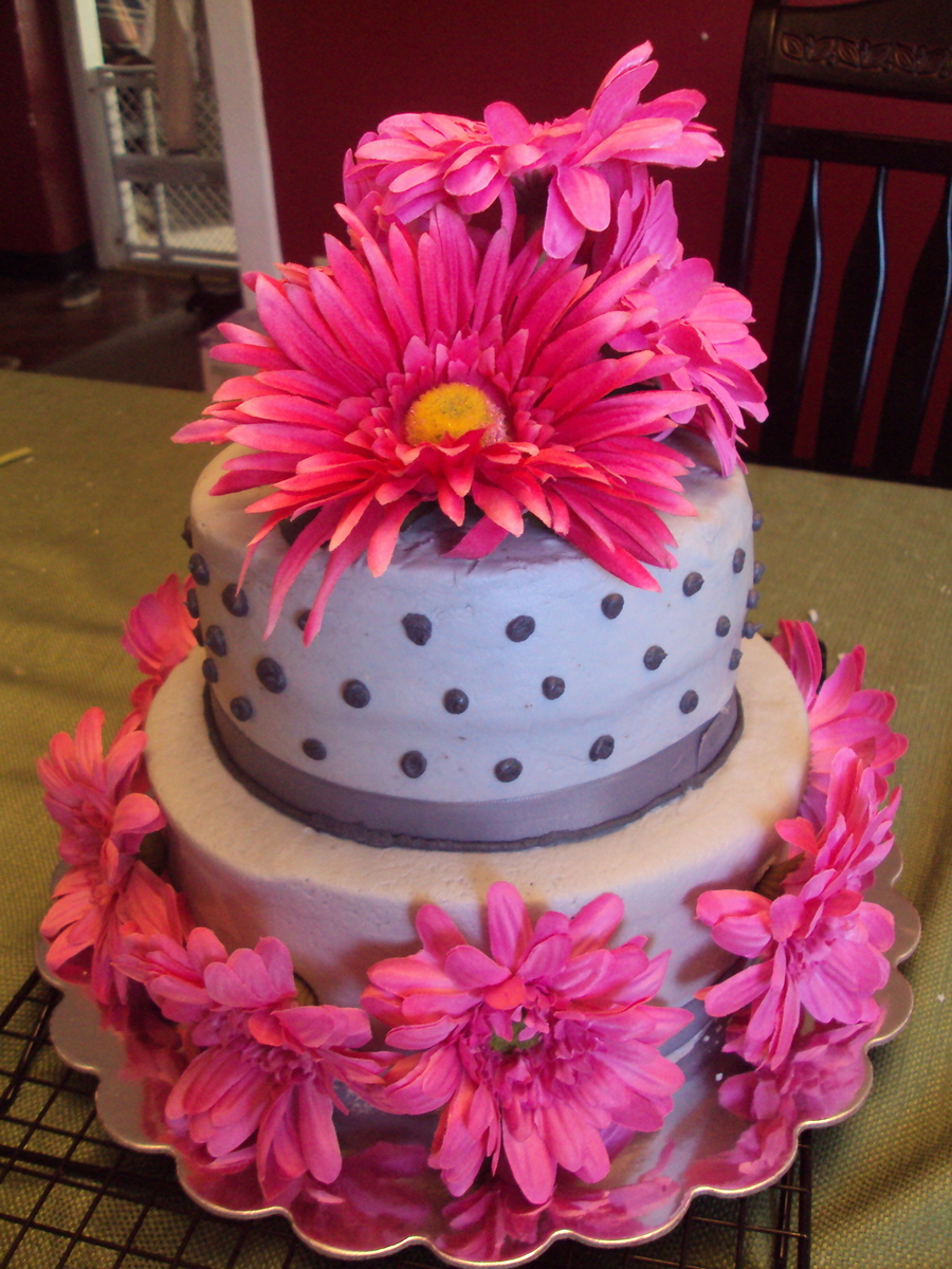Gerber Daisy Cake on Cake Central