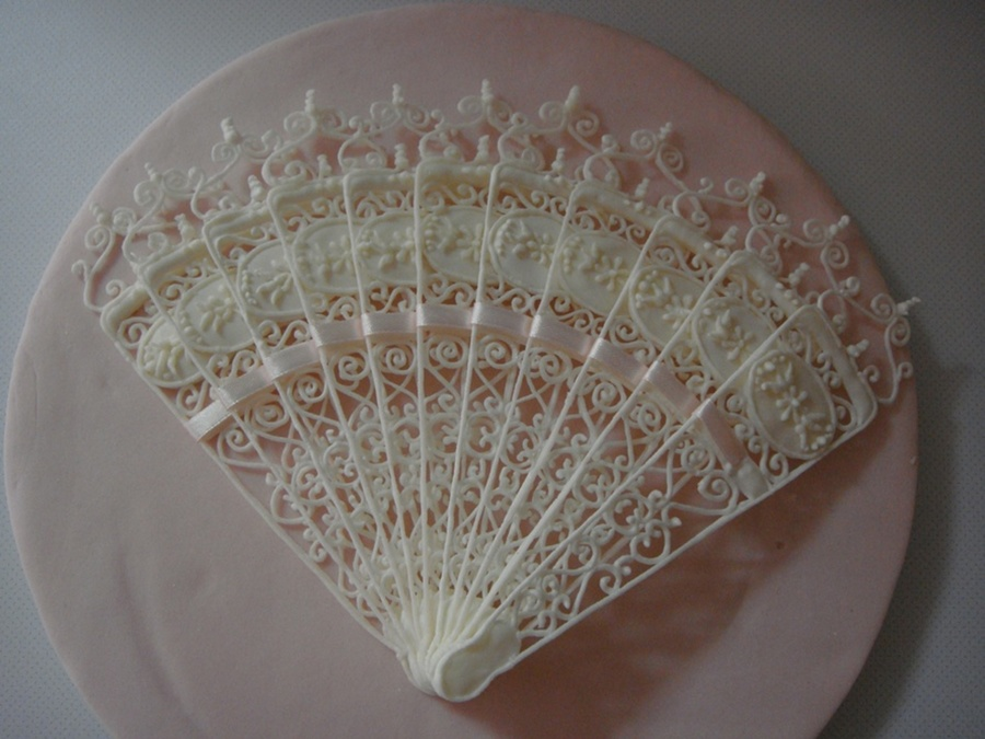 Cake Decorating Lace Pattern : Lace Fan Pattern - CakeCentral.com