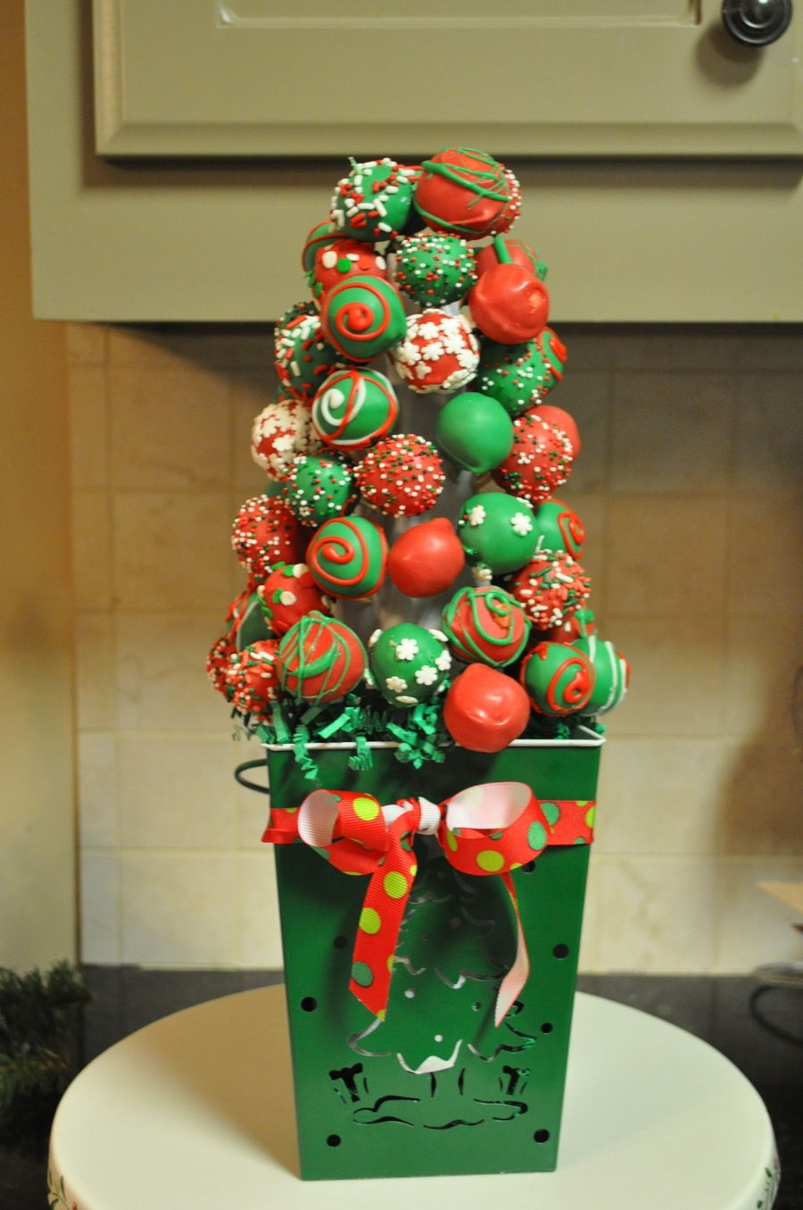 Cake Balls Decorated For Christmas : Cake Ball Christmas Tree - CakeCentral.com
