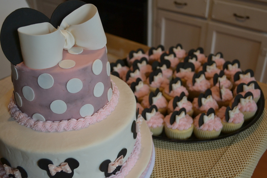 1St Birthday Minnie Cake And Cuppies on Cake Central