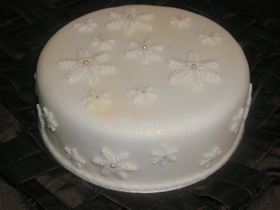 Christmas Snowflakes on Cake Central