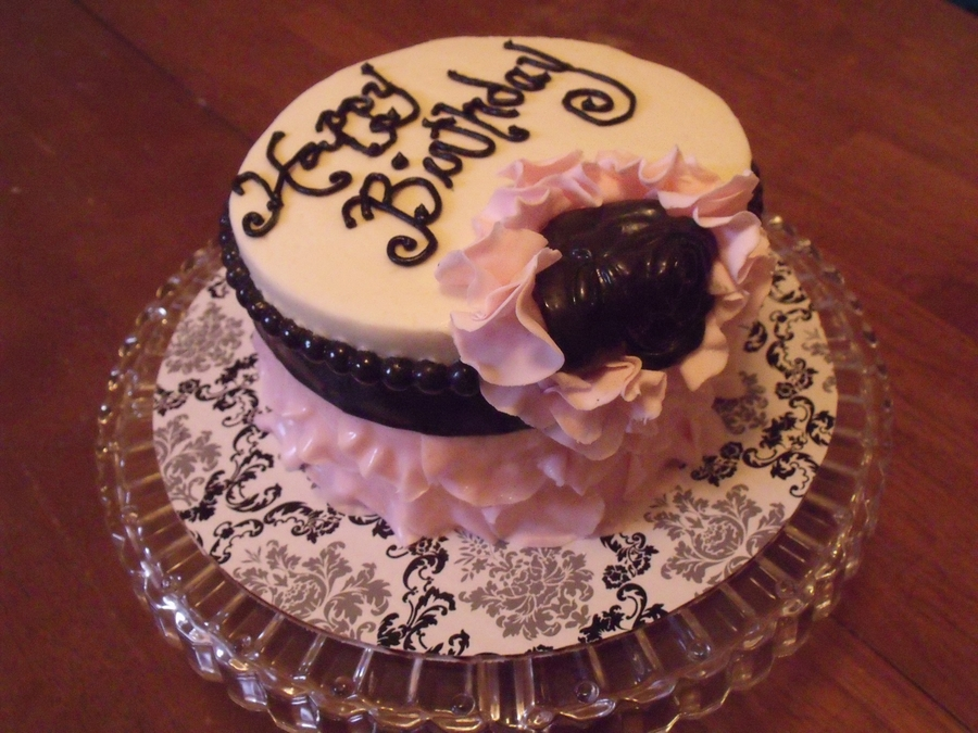 They Just Told Me Do A Birthday Cake For 50 Year Old Lady Who Likes Pink Black And White