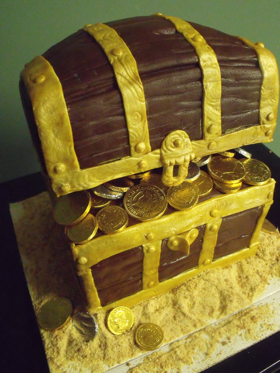 Pirate Chest  on Cake Central