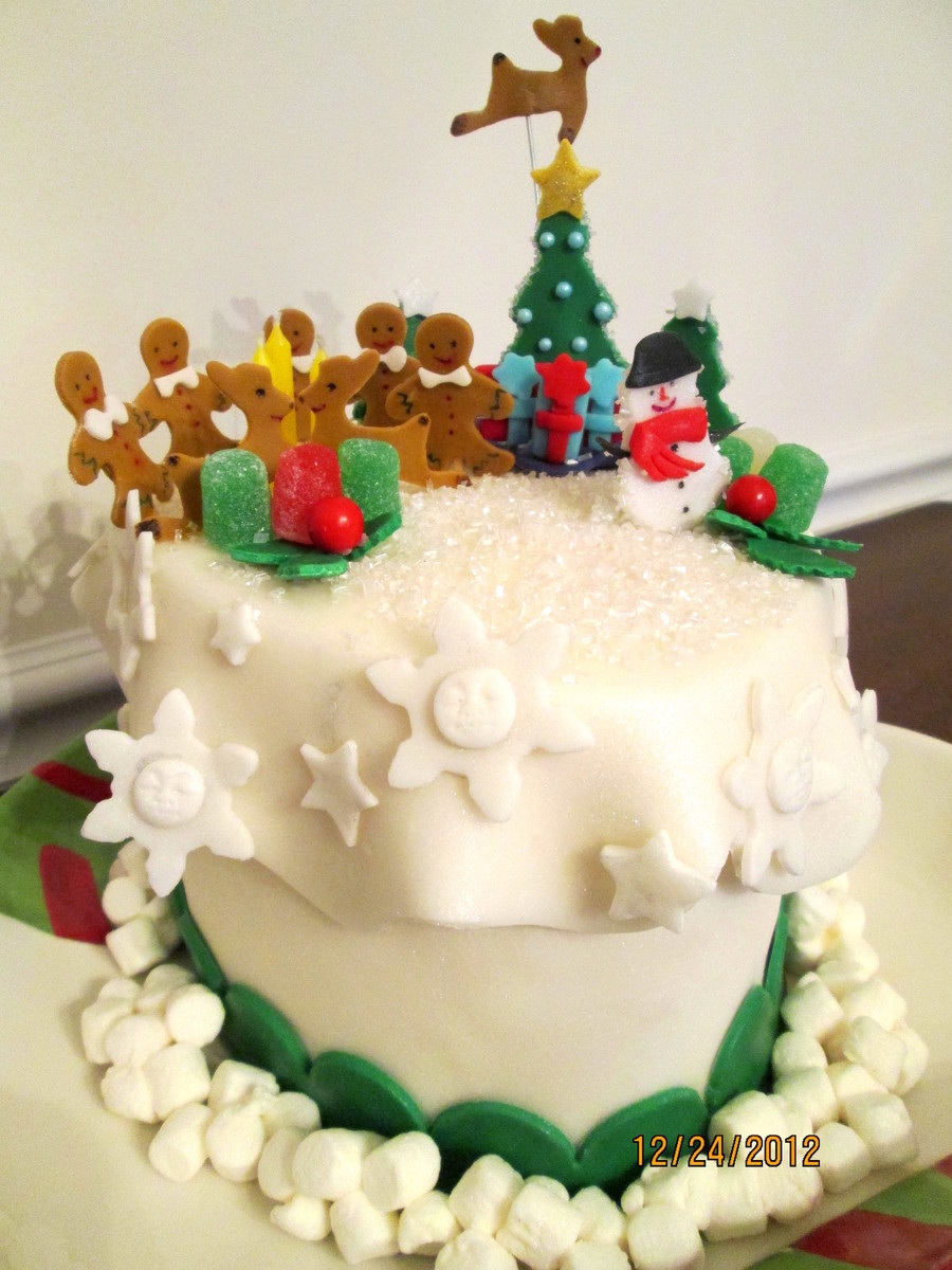 Christmas Magic A Christmas Cake For My Family It Was Fun  on Cake Central