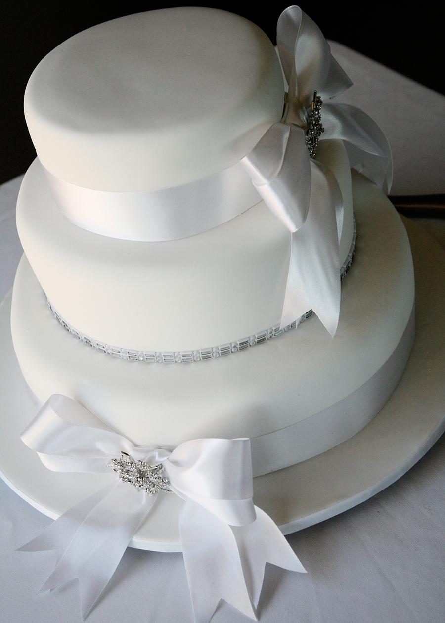 Wedding Cake/ Round 3 Tier - CakeCentral.com