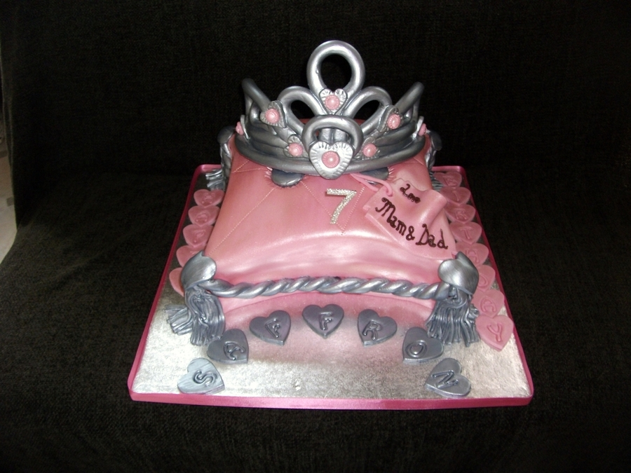 Tiara On Cushion Cake on Cake Central