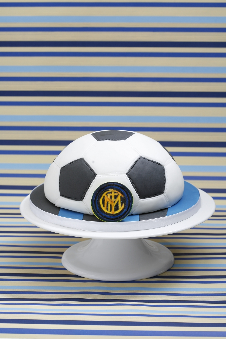 Inter Soccer Ball on Cake Central