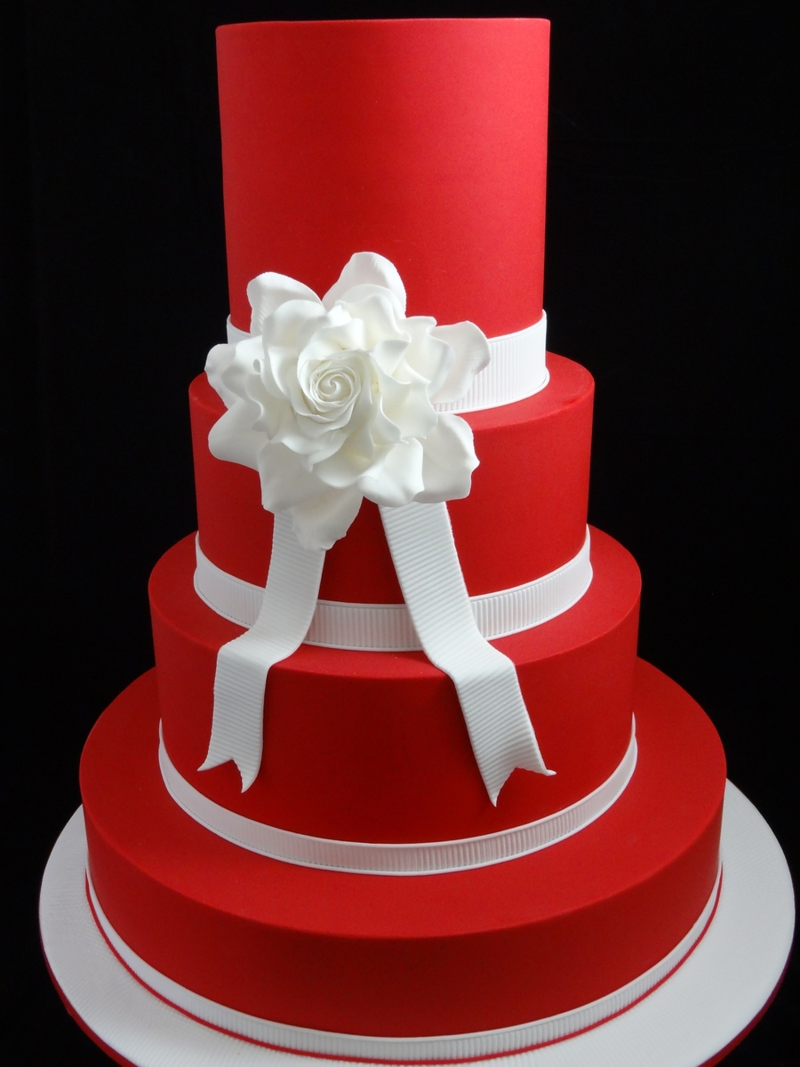 Red And White Wedding - Snow White on Cake Central