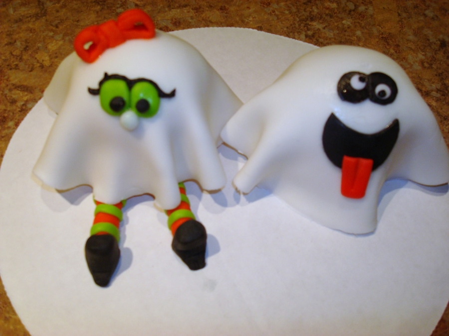 Trick Or Treaters on Cake Central