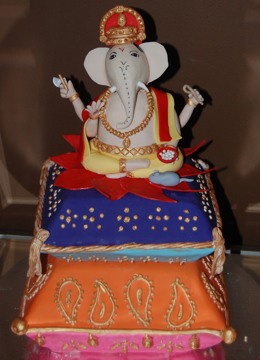 My Client Wanted A Ganesh Cake For Her Husbands 40th Birthday He Is The Hindu God With 4 Arms And An Elephant Head I Scuplted Ganeshs Body From RKT