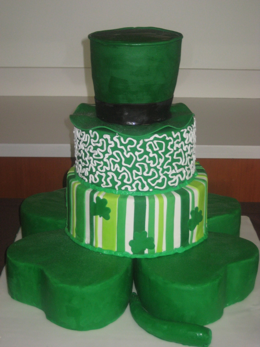 Cake Decorating St Patrick Day : St. Patrick s Day Wedding Cake - CakeCentral.com