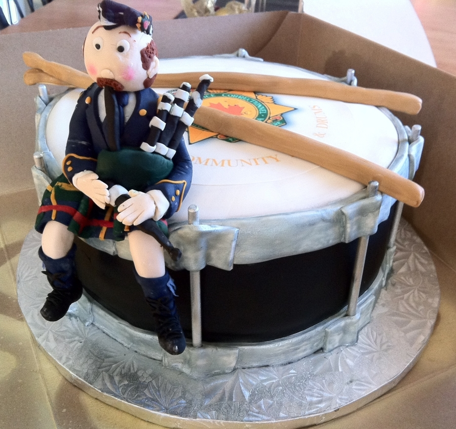 Pipes And Drums Band on Cake Central