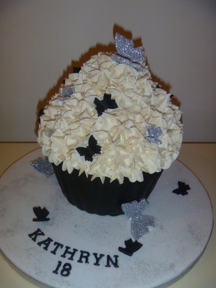 Large Cupcake on Cake Central