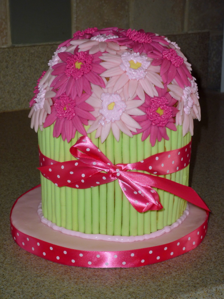 Gerbera Daisy Bouquet on Cake Central