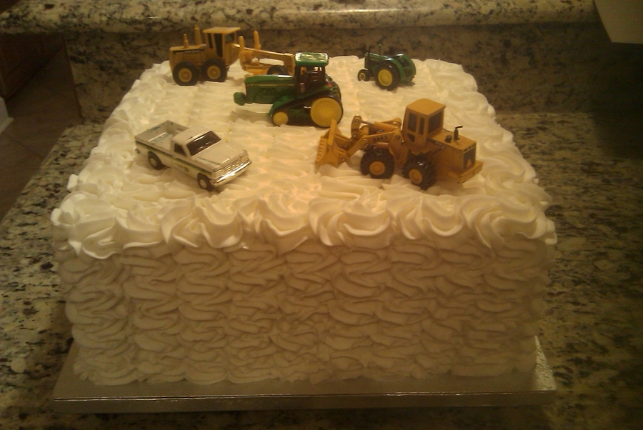 Love Of Tractors on Cake Central