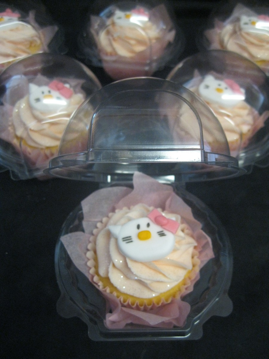Individual Hello Kitty Cupcakes on Cake Central