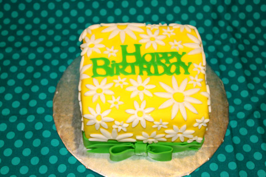 Daisy Birthday Cake Cakecentral