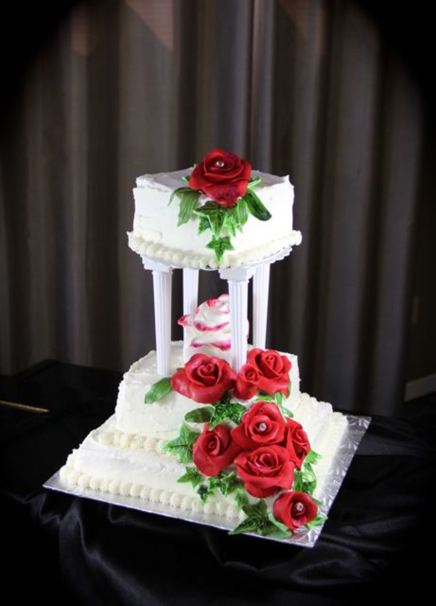wedding cakes with red roses and bling roses wedding cake cakecentral 26098