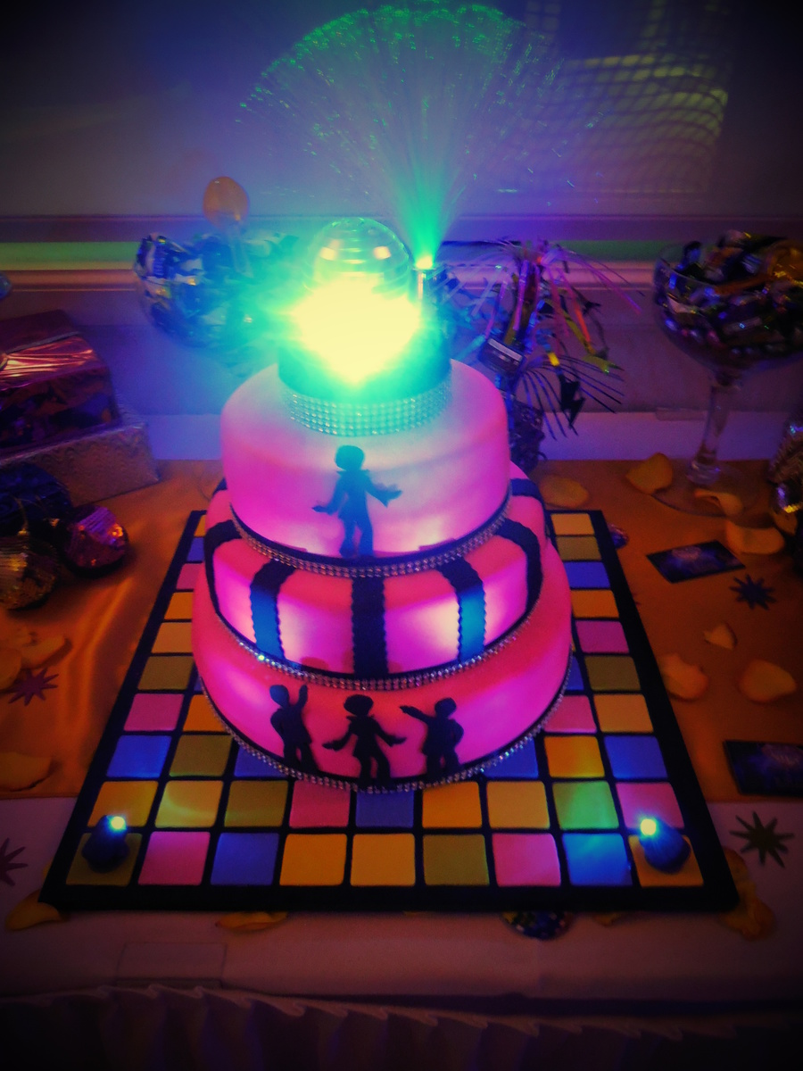 Disco Party Cake Images : 70 s Disco Party Cake - CakeCentral.com