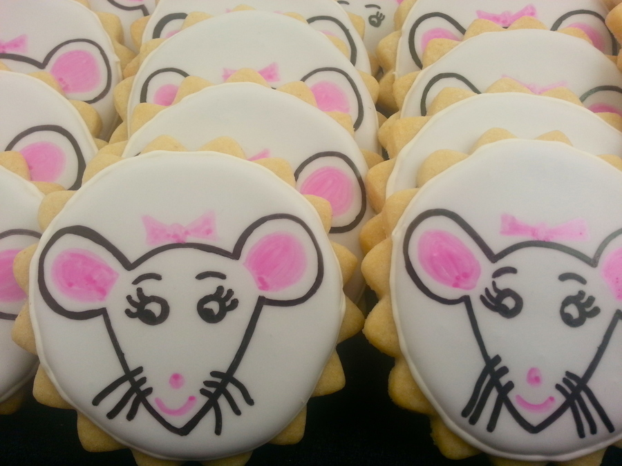 Angelina Ballerina Cookies on Cake Central