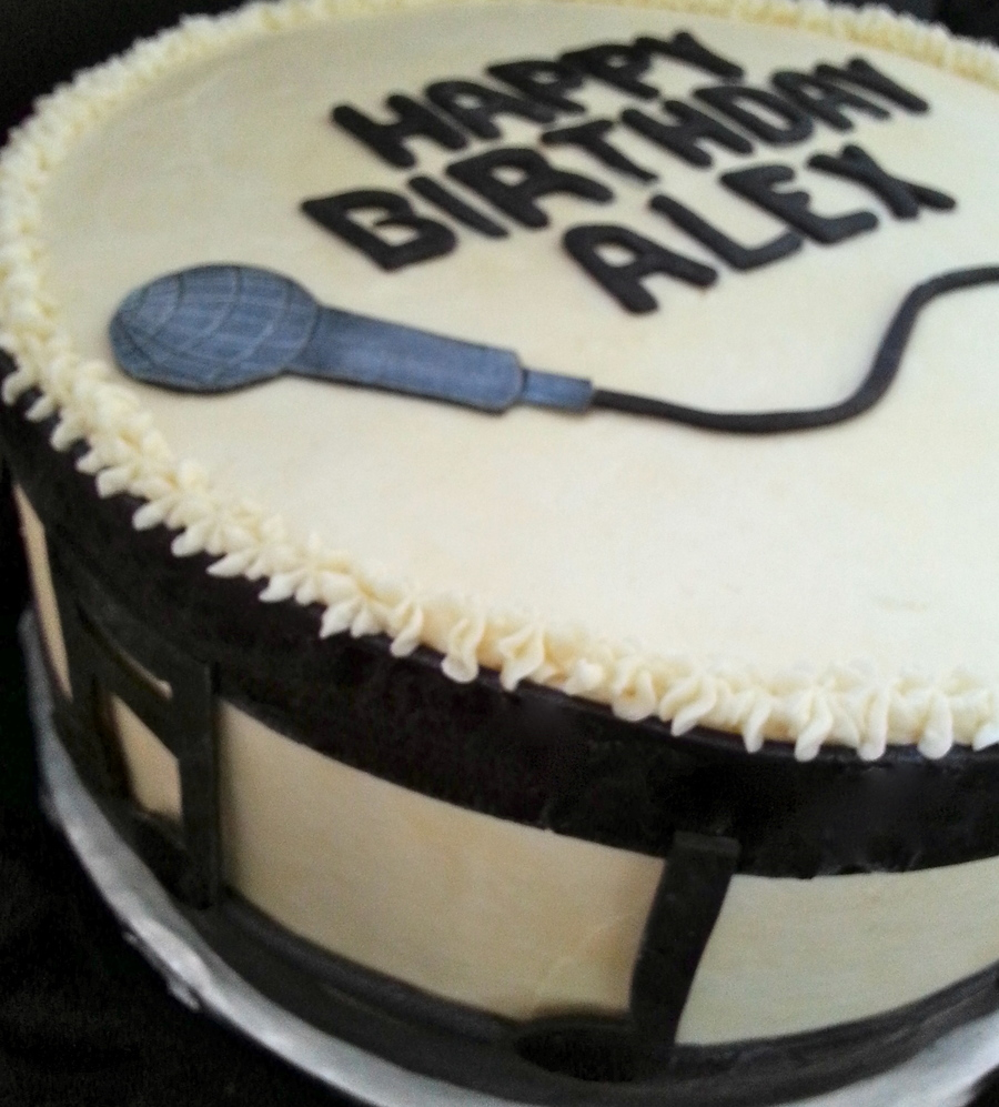 Open Mic Cake on Cake Central