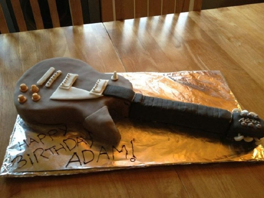 Electric Guitar Cake  on Cake Central