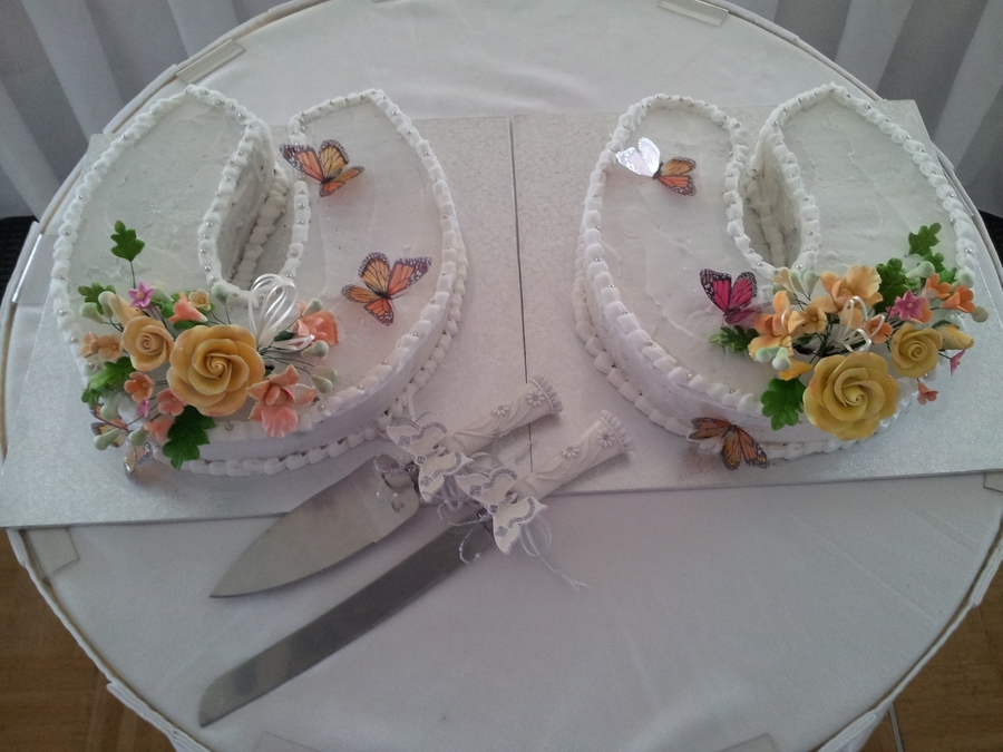 Horseshoe Wedding Cakes on Cake Central