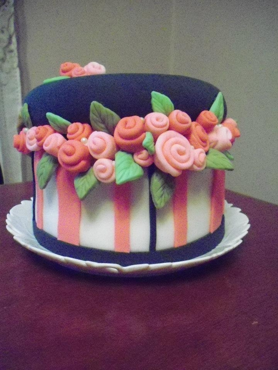 Hatbox Cake  on Cake Central