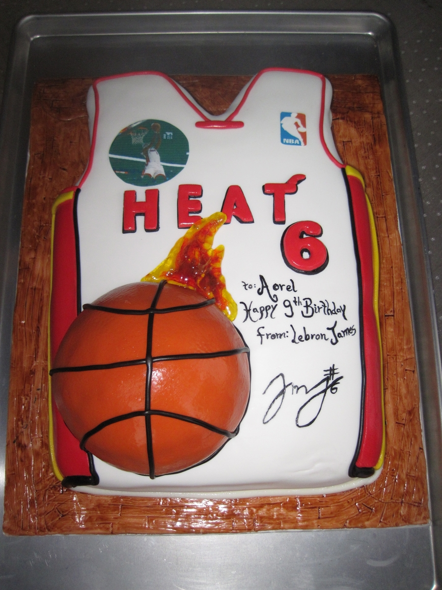 Cake Lebron James T-Shirt on Cake Central