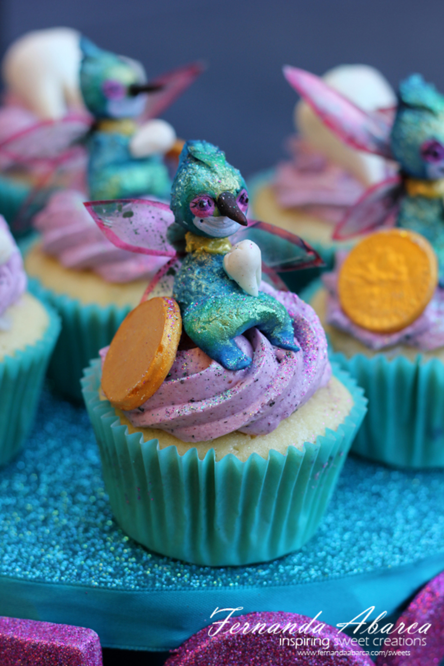 Rise of the guardians cupcakes baby tooth fairy for How to make fairy cupcakes