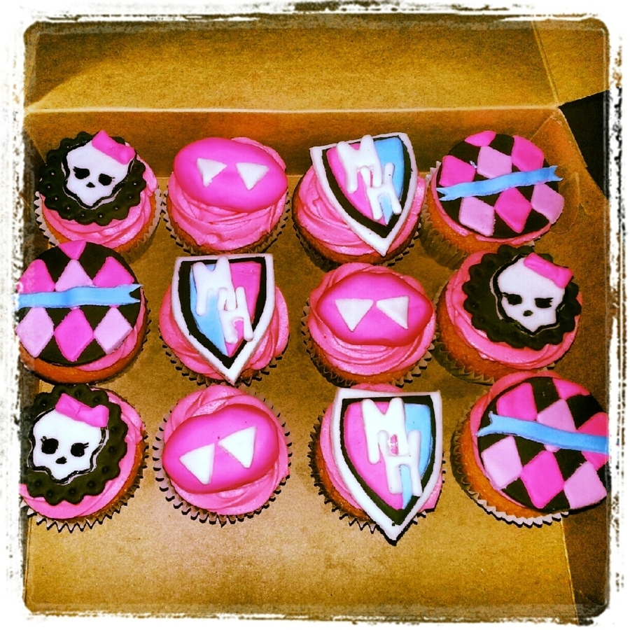 Monster High Cupcakes on Cake Central