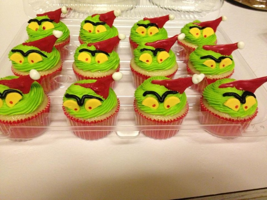 Grinch Cupcakes on Cake Central
