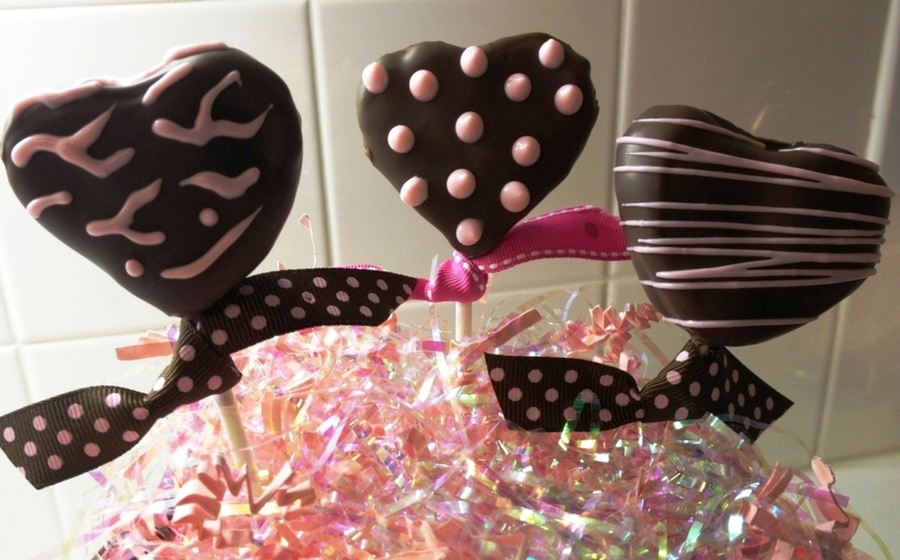 Valentine Cake Pops on Cake Central