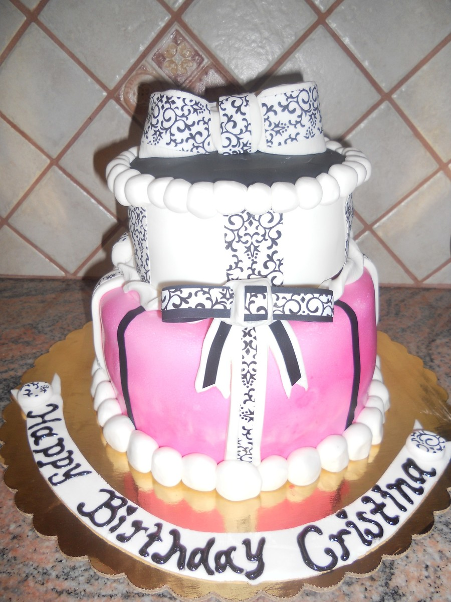 Damask Pretty on Cake Central