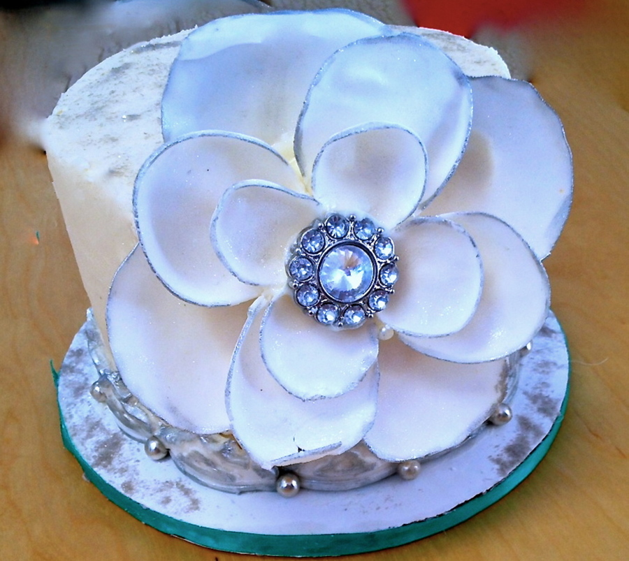 Winter White Fantasy Rhinestone Flower Birthday on Cake Central