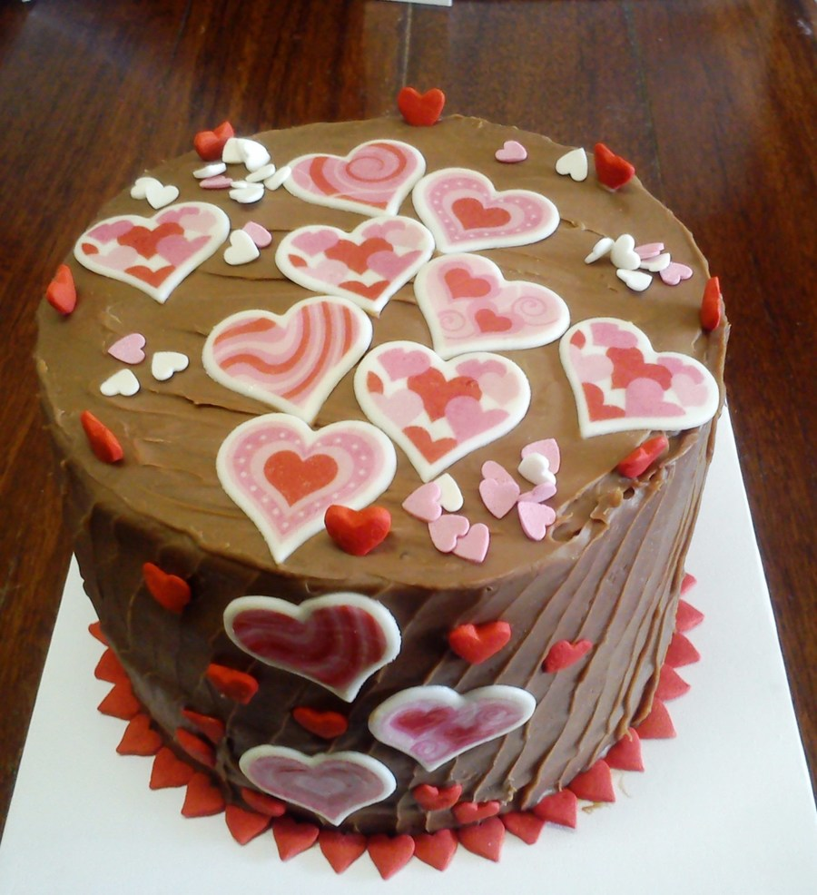 A Very Last Minute Request For Something Cheesy And Romantic :) on Cake Central