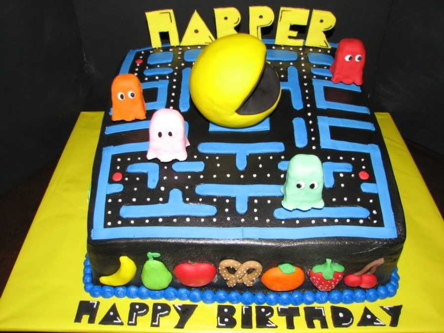 Swell Pacman Birthday Cake Cakecentral Com Funny Birthday Cards Online Alyptdamsfinfo