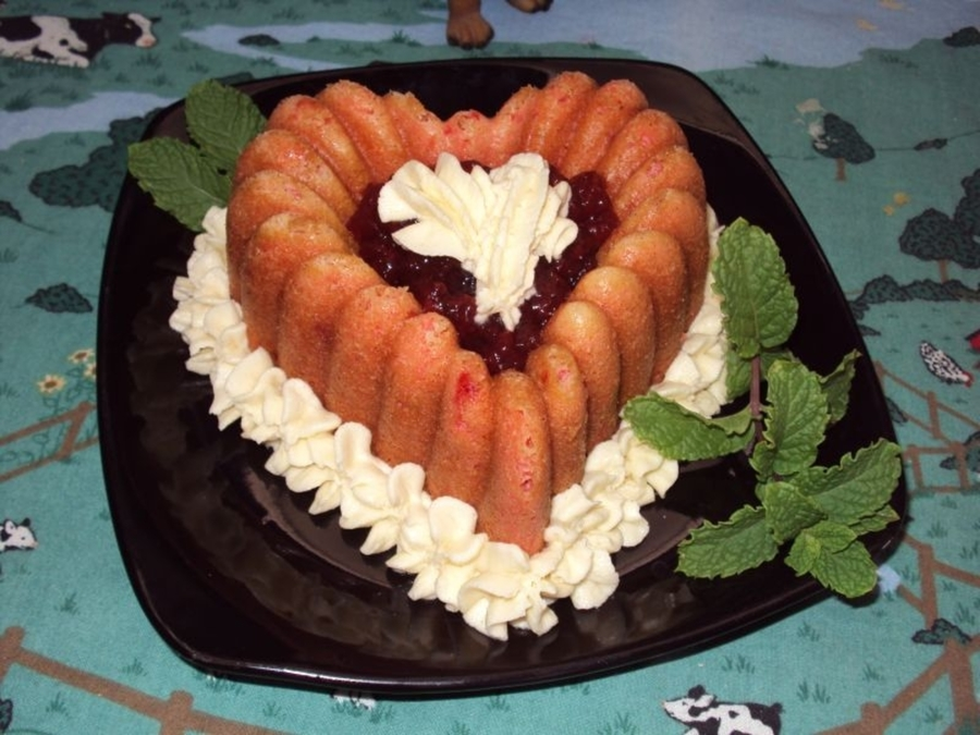 Strawberry Heart on Cake Central