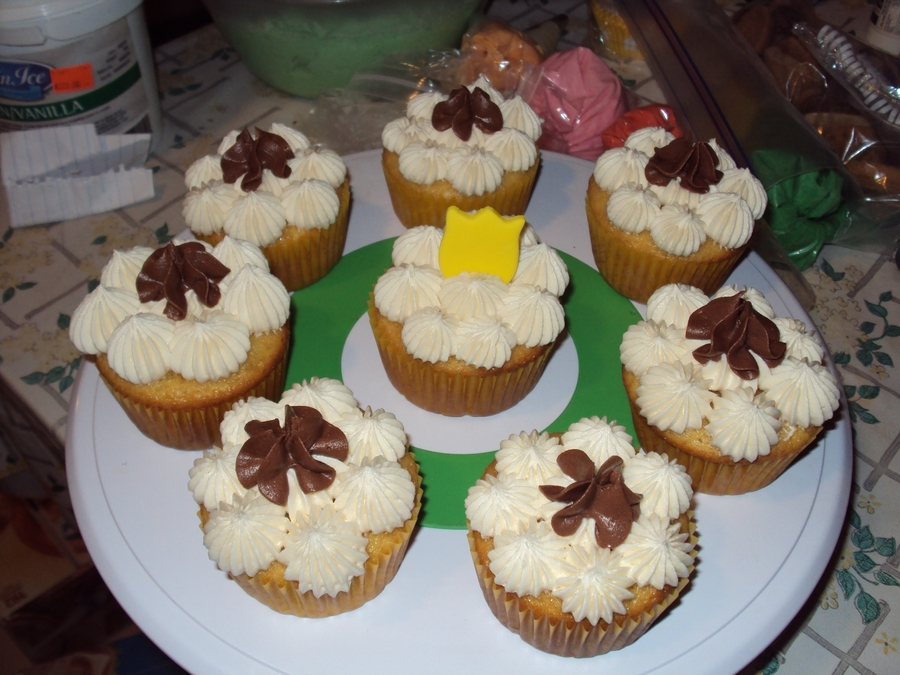 Vanilla Cuppies With A Touch Of Fudge on Cake Central